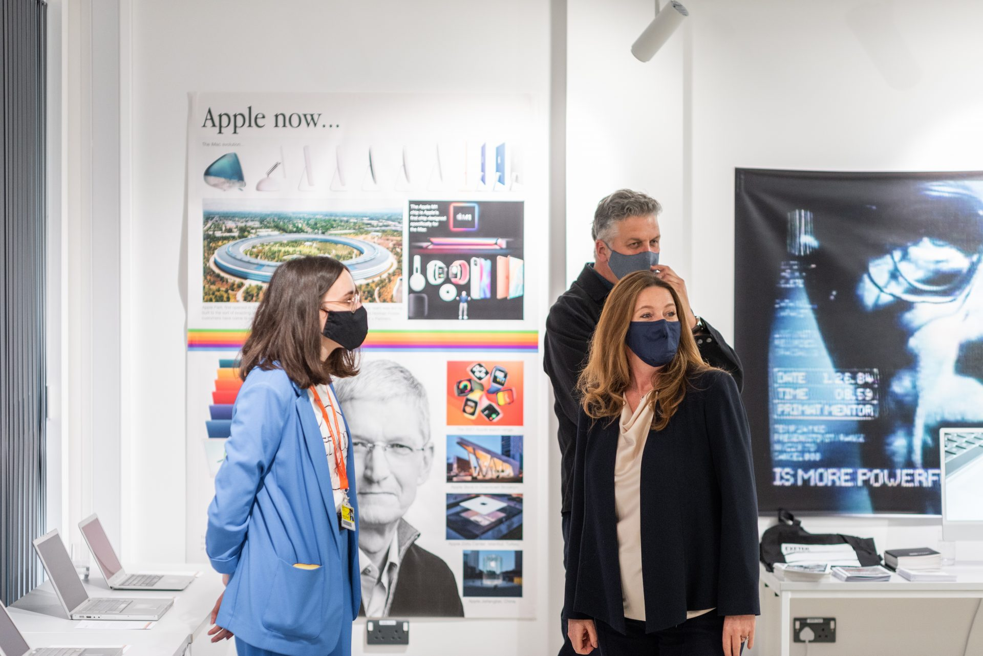 Exeter College student gives the Minister for Apprenticeships & Skills, Gillian Keegan, a tour of the Mac Museum at the official opening of the Exeter College Institute of Technology Digital and Data Centre.